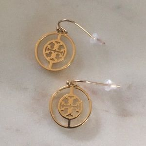 Like new Tory Burch logo drop earrings